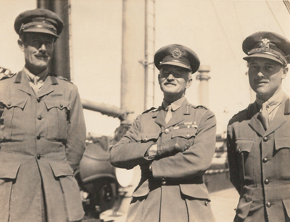 black-and-white picture of Captain John Hardress Lloyd, Major-General Henry de Beauvoir de Lisle and Pat Armstrong in military uniforms